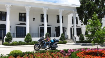 Whitehouse hotel and bike