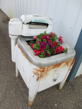 An artistic touch outside of the laundromat in Fort Nelson - nice touch Cheryl!